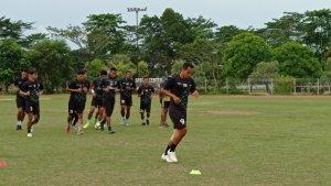 Kabar Gelandang Bertahan Sriwijaya FC Lucky Wahyu, Dokter Sebut Karirnya Tamat Jika tak Lakukan Ini
