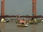 Dua-peserta-perahu-hias-dari-Banyuasin-dan-Kota-Palembang.jpg
