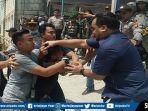 aksi-demo-rusuh-di-depan-kantor-bawaslu-kabupaten-pali-sumatera-selatan-jumat-352019.jpg
