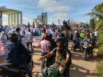 aksi-unjukrasa-warga-tegal-binangun-plaju_20171115_171011.jpg