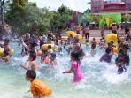 amanzi-water-park-palembang-jumat-25122015_20151225_163350.jpg