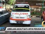 ambulan-berisi-batu.jpg