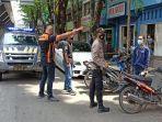 anggota-reskrim-dan-indent-polrestabes-palembang-mendatangi-tkp-pencurian-sepeda-motor.jpg