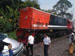 avanza-di-muaraenim-ditabrak-kereta-api-terseret-hingga-100-meter-begini-nasib-3-penumpangnya.jpg