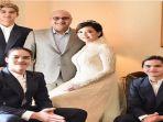 bahagia-atas-pernikahan-sang-bunda-al-el-dan-dul-tulis-ungkapan-manis-soal-pernikahan-maia-irwan_20181031_105303.jpg