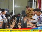 beberapa-siswa-saat-simulasi-unbk-di-smkn-1-palembang_20180326_150334.jpg
