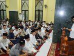 buka-bersama-dan-salawat-tarawih-di-masjid-ar-raiyah-dprd-sumsel.jpg