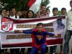 caleg-pkpi-pakai-baju-superman.jpg