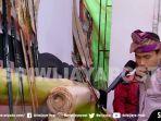 dalang-ki-agus-wirawan-rusdi-saat-mementaskan-kesenian-wayang-palembang_20180811_223516.jpg