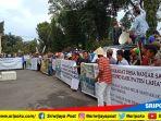demo-warga-desa-banjar-sari-kecamatan-merapi-timur_20180321_115303.jpg