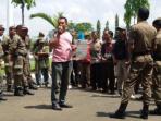 demo-warga-desa-jayatunggal-kecamatan-tuahnegeri_20160111_132332.jpg