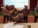 direktur-utama-pln-menandatangani-komitmen-pemenuhan-pasokan-batu-bara.jpg