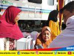 dokter-memeriksa-pasien-di-rail-clinic-milik-pt-kereta-api-indonesia-divre-iii-kamis-1972018_20180719_145539.jpg
