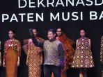 gambo-muba-tampil-memukau-di-ajang-indonesia-fashion-week-2019-2.jpg