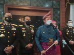 gubernur-menyampaikan-keterangan-pers-usai-mengikuti-upacara-peringatan-hari-jadi-pancasila.jpg