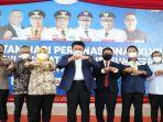 gubernur-sumsel-h-herman-deru-berfoto-bersama-ketua-pwi-pusat-provinsi.jpg