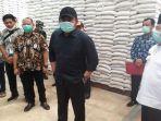 gubernur-sumsel-h-herman-deru-memastikan-ketersediaan-pangan-khususnya-beras.jpg