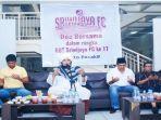 head-coach-nil-maizar-bersama-hut-sriwijaya-fc-ke-17.jpg