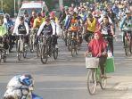 herman-deru-gowes-sepeda-keliling.jpg