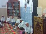 imam-besar-masjid-agung-smb-ii-palembang-kh-nawawi-dencik-kanan_20160508_122106.jpg