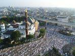 jamaah-sholat-ied-masjid-agung-drone-2.jpg