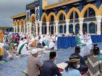 jemaah-masjid-agung-lubuklinggau.jpg