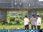 jembatan-tebat-gheban-yang-selama-ini-mangkrak-karena-tidak-dilanjutkan-pembangunannya.jpg
