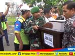 jenazah-almarhum-candra-kirana-29-saat-tiba-di-bandara-internasional-smb-ii-palembang_20181103_113919.jpg