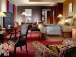 kamar-hotel-termahal-royal-penthouse-suite-president-wilson-hotel_20180725_142734.jpg