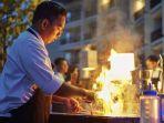 koki-restoran-hotel-santika-premiere-bandara-palembang-tengah-memasak-menu-barbeque1.jpg