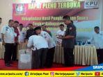 komisi-pemilihan-umum-kabupaten-oku-timur-melakukan-rapat-pleno_20180705_140719.jpg