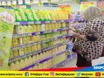 konsumen-hypermart-tengah-membeli-produk-kosmetik-jumat-26102018_20181026_204251.jpg