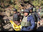 kontak-senjata-kkb-pimpinan-lamek-taplo-dengan-personel-tni-polri-di-kiwirok.jpg