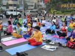 latihan-yoga-di-palembang_20151022_072154.jpg