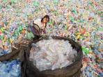 limbah-plastik-sampah-plastik_20161105_094303.jpg