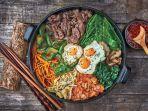 makanan-ala-drama-korea-begini-resep-untuk-membuat-kimbap-dan-bibimbap-mudah-dan-praktis.jpg