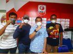 manajer-tim-sriwijaya-fc-hendriansyah-bersama-koordinator-tiga-kelompok-suporter.jpg