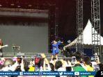 marion-jola-opening-show-westlife.jpg