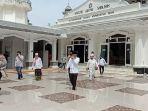 masjid-agung-sholihin-kayuagung-dibuka-untuk-sholat-berjamaah.jpg