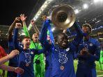 ngolo-kante-angkat-trofi-liga-champions.jpg