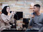 nissa-sabyan-unggah-video-cover-dengan-dimas-mikrofon-impian.jpg