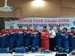para-anggota-serikat-pekerja-pertamina-spp-ru-iii-tolak-ahok.jpg