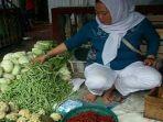 pedagang-sayur-di-pasar-tebing-tinggi.jpg