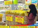 pelanggan-hypermart-palembang-indah-mall-pim-tengah-berbelanja_20181019_154315.jpg