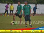 pelatih-sriwijaya-fc-rahmad-darmawan_20180209_152818.jpg