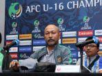 pelatih-timnas-u-16-indonesia-fakhri-husaini-dalam-jumpa-pers-di-malaysia-kamis-2092018_20180921_101403.jpg
