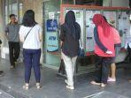 pencari-kerja-di-kantor-pos-indonesia-jalan-merdeka-palembang_20170923_143647.jpg