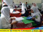 pendaftaran-siswa-baru-di-sma-negeri-3-palembang_20180625_131603.jpg