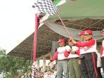penjabat-pj-walikota-palembang-akhmad-najib-gerak-jalan_20180808_124629.jpg