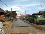 pjs-walikota-palembang-akhmad-najib-saat-melakukan-peninjauan-jalan-gandus-palembang_20180525_143846.jpg